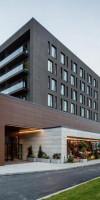 Hotel QOSMO