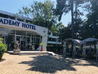 Academy (Fostul hotel Veronica)