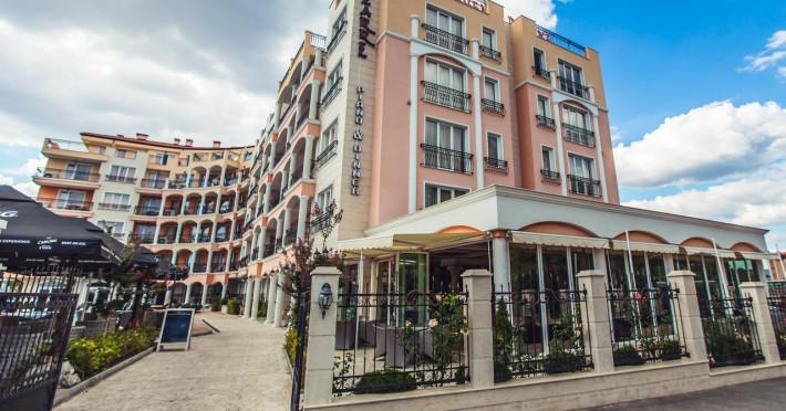 avenue-deluxe-hotel_86077_83419007.jpg