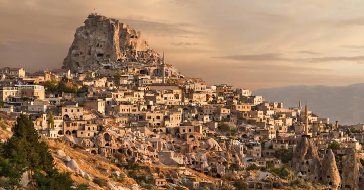 cappadocia-avion-ayt_90654_shutterstock-686820025-4.jpg