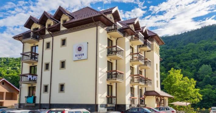 hotel-caciulata-8bdabebecad9de5d.jpeg