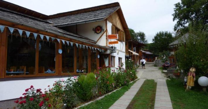 hotel-de-sus-77611a3124ce1bf4.jpeg