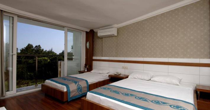 maya-world-golf-hotel-side_67005_13480299.jpg