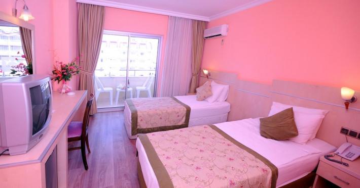 side-town-by-z-hotels_67046_145255078.jpg